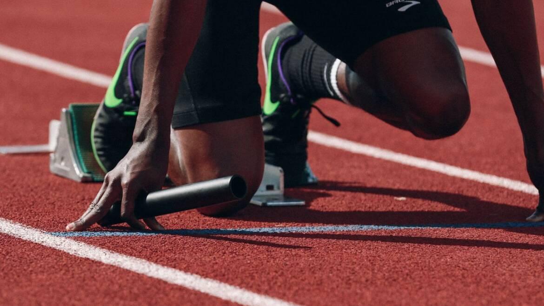 Обувь и спортивные покрытия